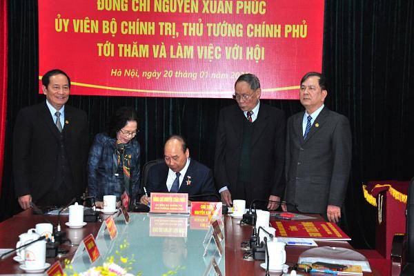 Lưu bút của Thủ tướng Nguyễn Xuân Phúc ghi trong Sổ vàng truyền thống của Hội Nạn nhân chất độc da cam/dioxin Việt Nam