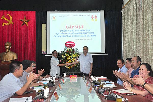 Thư của Chủ tịch Nguyễn Văn Rinh gửi cán bộ, phóng viên, biên tập viên, nhân viên, cộng tác viên Tạp chí Da cam Việt Nam nhân Kỷ niệm 96 năm Ngày Báo chí cách mạng Việt Nam